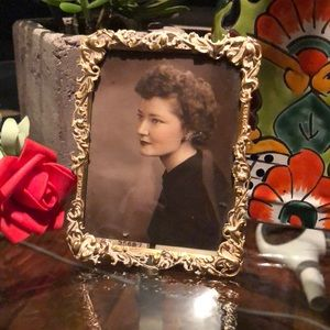 Jay Strongwater vintage gold picture frame -